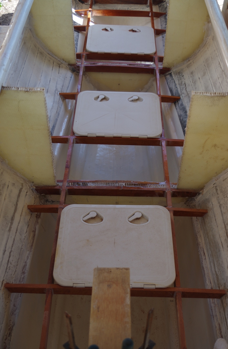 Floor support in the cockpit area of the Kite-sailer