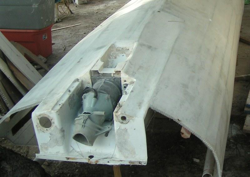 Kite-sailer - laminate jet drive unit into the hull